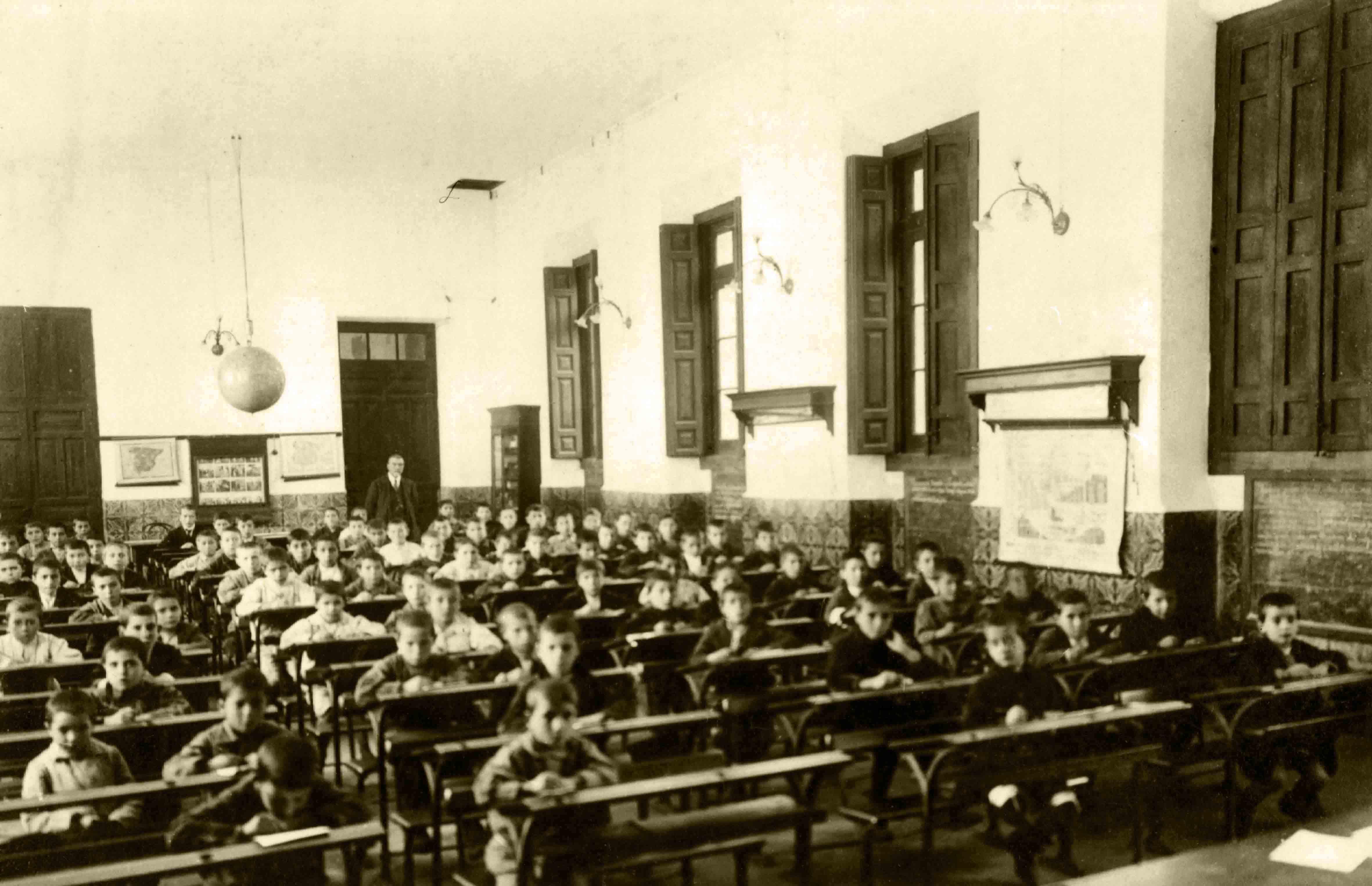 Escola de Nenos da Fundación Fernando Blanco. 1917 / Escuela de Niños de la Fundación Fernando Blanco. 1917