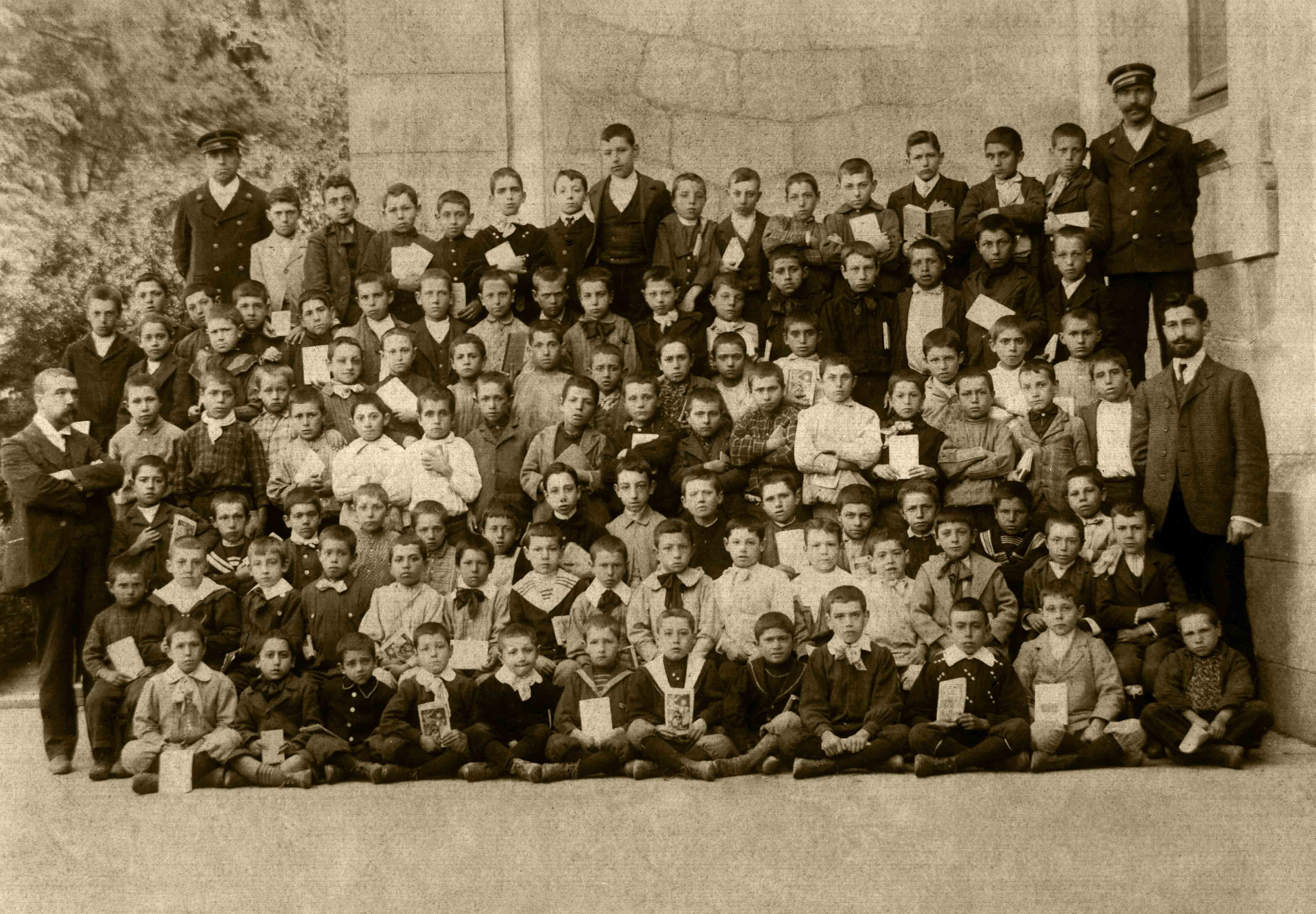 Promoción Escola de Nenos. Ca: 1910 / Promoción Escuela de Niños. Ca: 1910