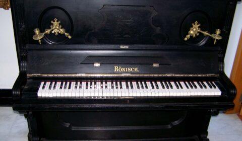 Piano Rönisch