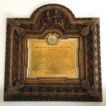Placa conmemorativa de Enrique Mayer